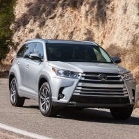 2018 Toyota Highlander SE 016 3D4B60B89FD9C3FD7036BD2F729E73604CDD21EE 200x200 - 2019 Toyota Highlander SE Review: Ideal For Active Families