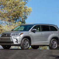 2018 Toyota Highlander SE 020 6DCBFAFB173B39556D64B31065D6B409FF91E3F3 200x200 - 2019 Toyota Highlander SE Review: Ideal For Active Families