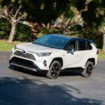 2019 Toyota RAV4 XSE HV BlizzardPearl 1
