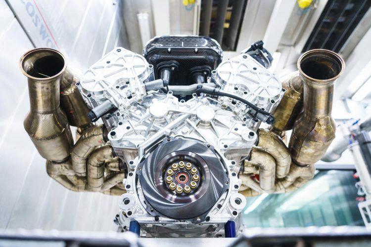 Aston Martin Valkyrie Engine 7 leadimage