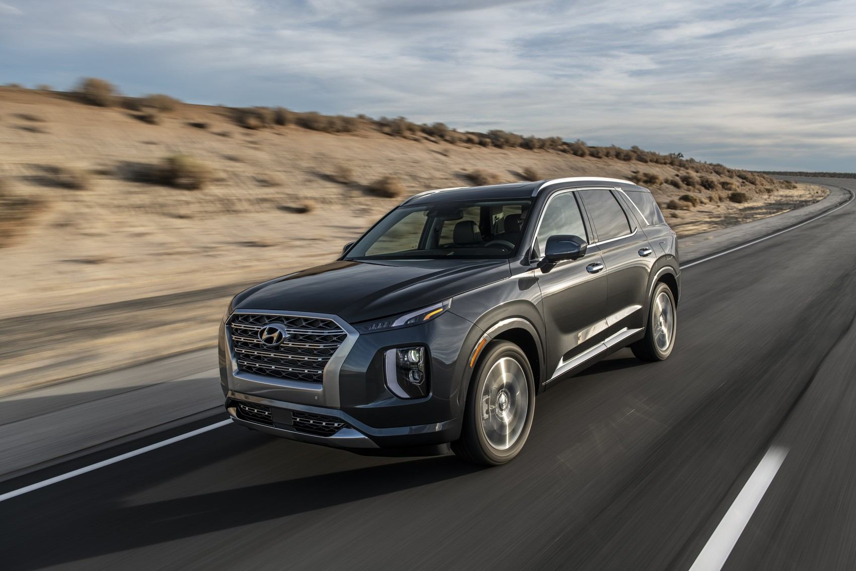 2020 Hyundai Palisade on the open road.
