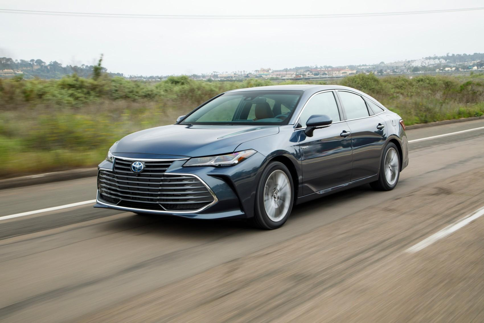 2019 Toyota Avalon Hybrid Limited Review Ideal For Work Or Pleasure