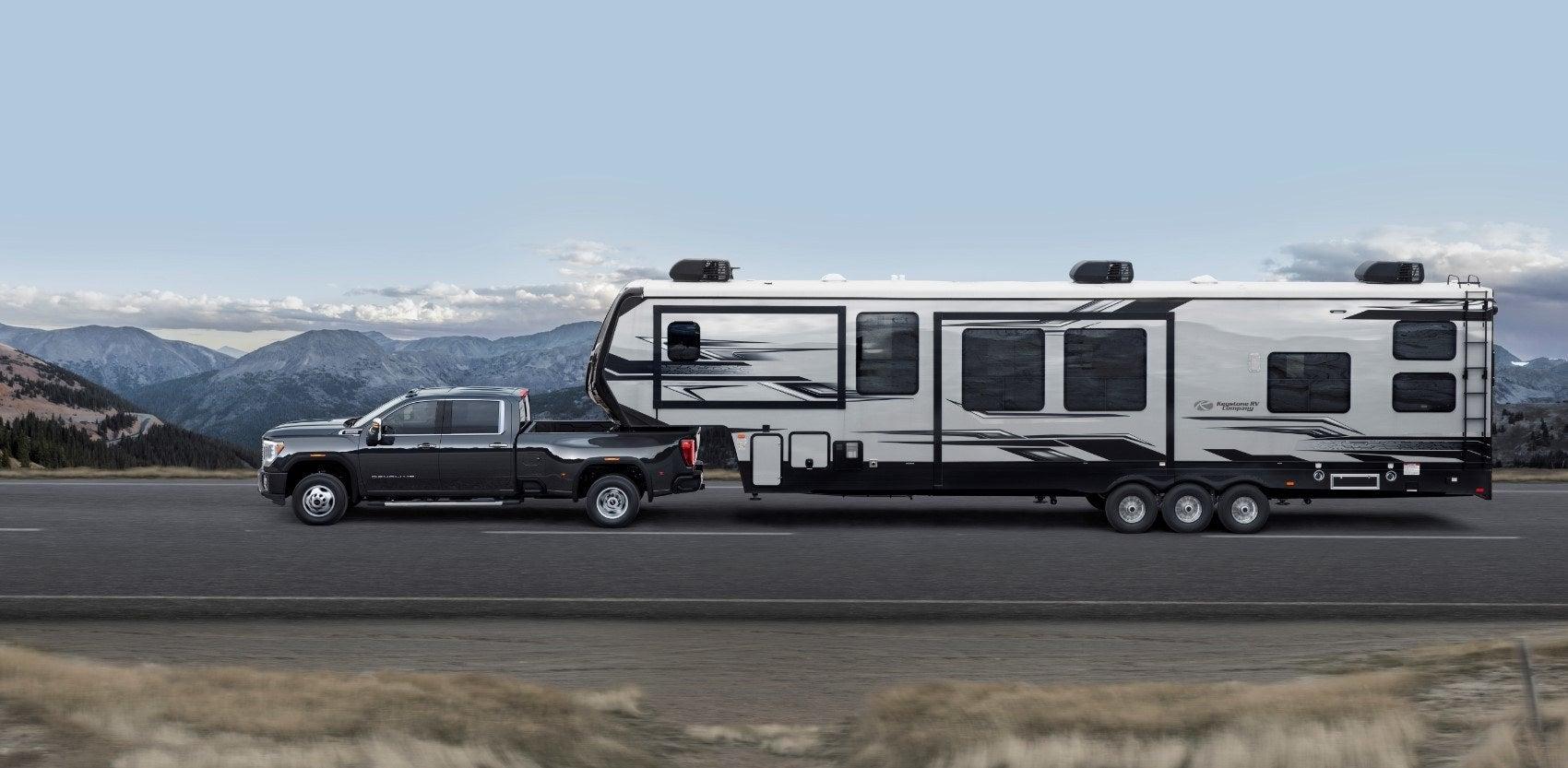 2020 GMC Sierra 3500HD Denali 002