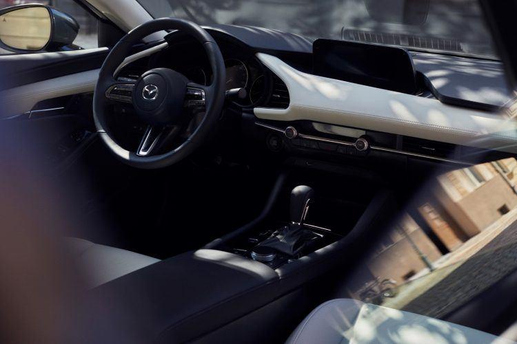 26 Mazda3 SDN INT 2