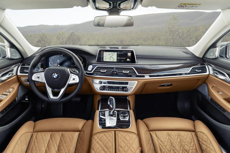 P90333074 highRes 750x500 - 2020 BMW 7 Series: The Big Boss Gets The Flagship Overhaul