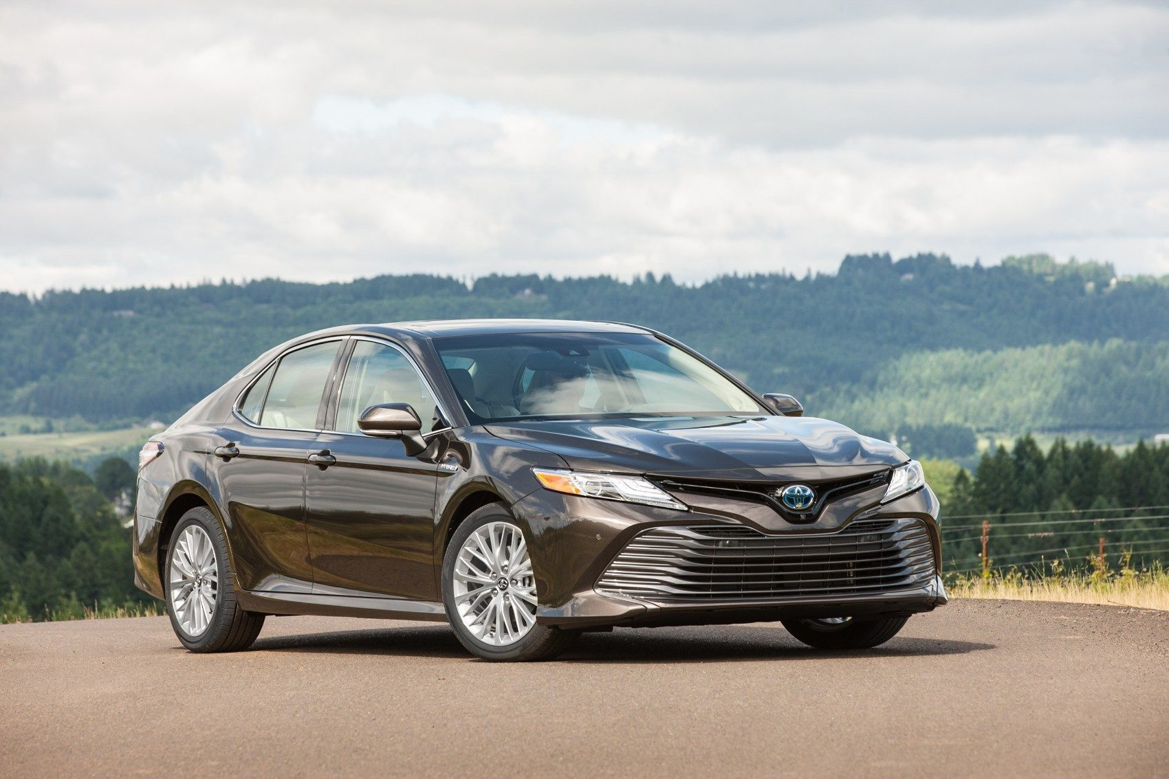 Headlights 415 And Navigation 1 760 Total Msrp Including Destination 38 215 By Comparison The 2019 Toyota Camry Hybrid Starts At 28 150