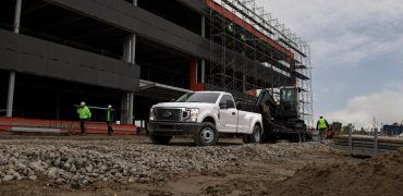 F 350 White 370x180 - 2020 Ford Super Duty: An In-Depth Look At Dearborn's Big Slugger