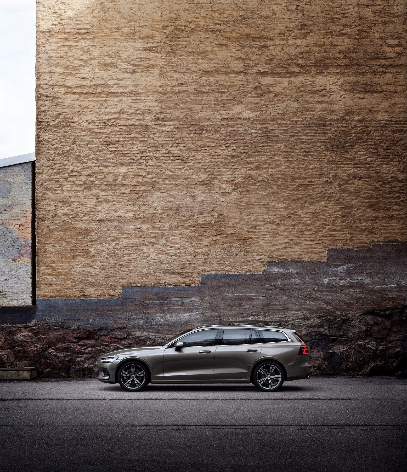 2019 Volvo V60 Review: Quick, Versatile & Safe