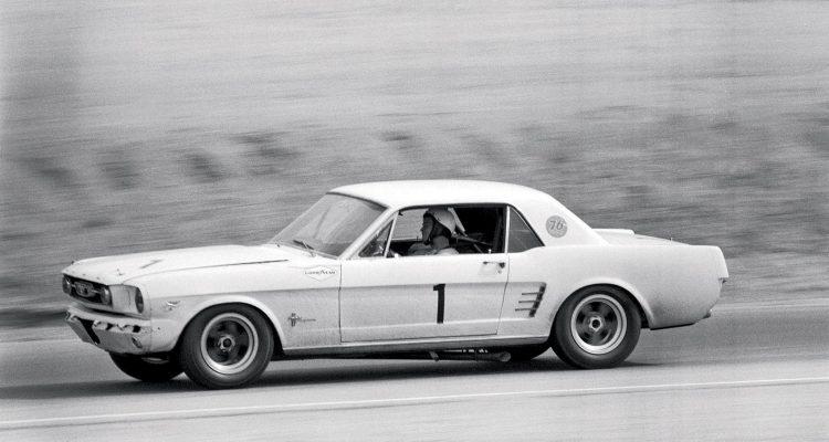 9780760364604 p13 750x400 - Automoblog Book Garage: Boss Mustang: 50 Years