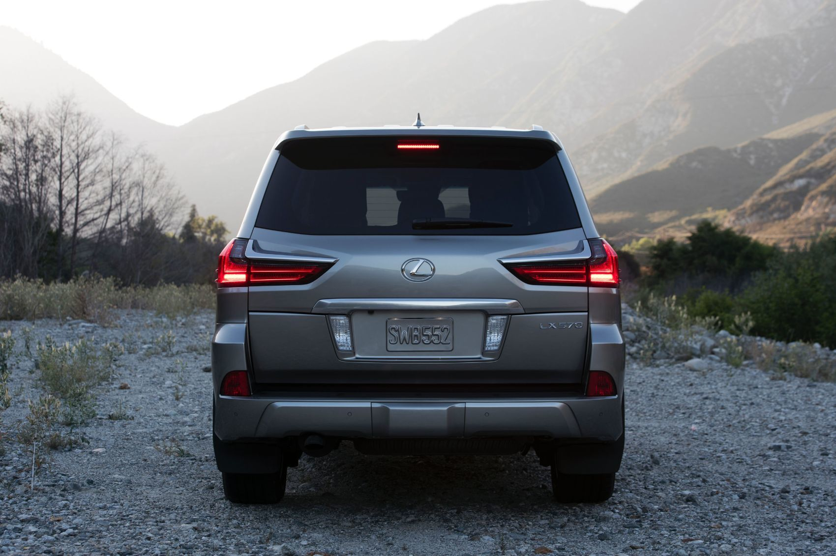 2019 Lexus LX 570 Two-Row Review: Powerful & Luxurious But ...