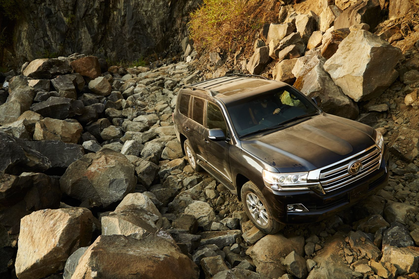 2019 Toyota Land Cruiser Review: When Roads Are Optional 15