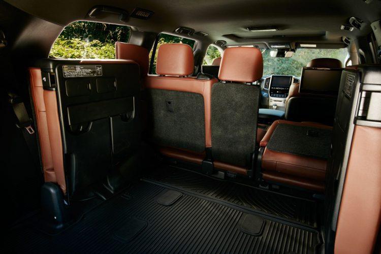 2019 Toyota Land Cruiser 08 194703A2A583C05F32F5E0D9393106F61E34C548