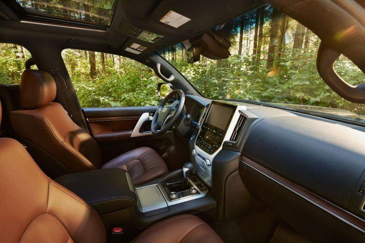 2019 Toyota Land Cruiser 09 E06F022A865A86E9377D672BC29E6954D861C37B
