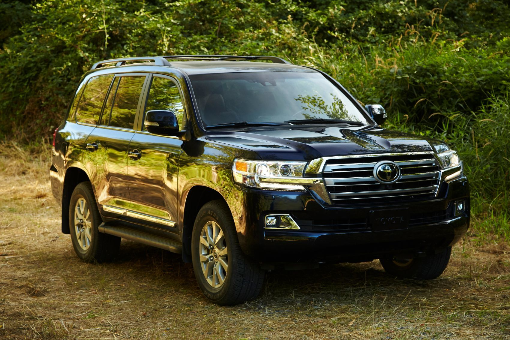 2019 Toyota Land Cruiser Review: When Roads Are Optional
