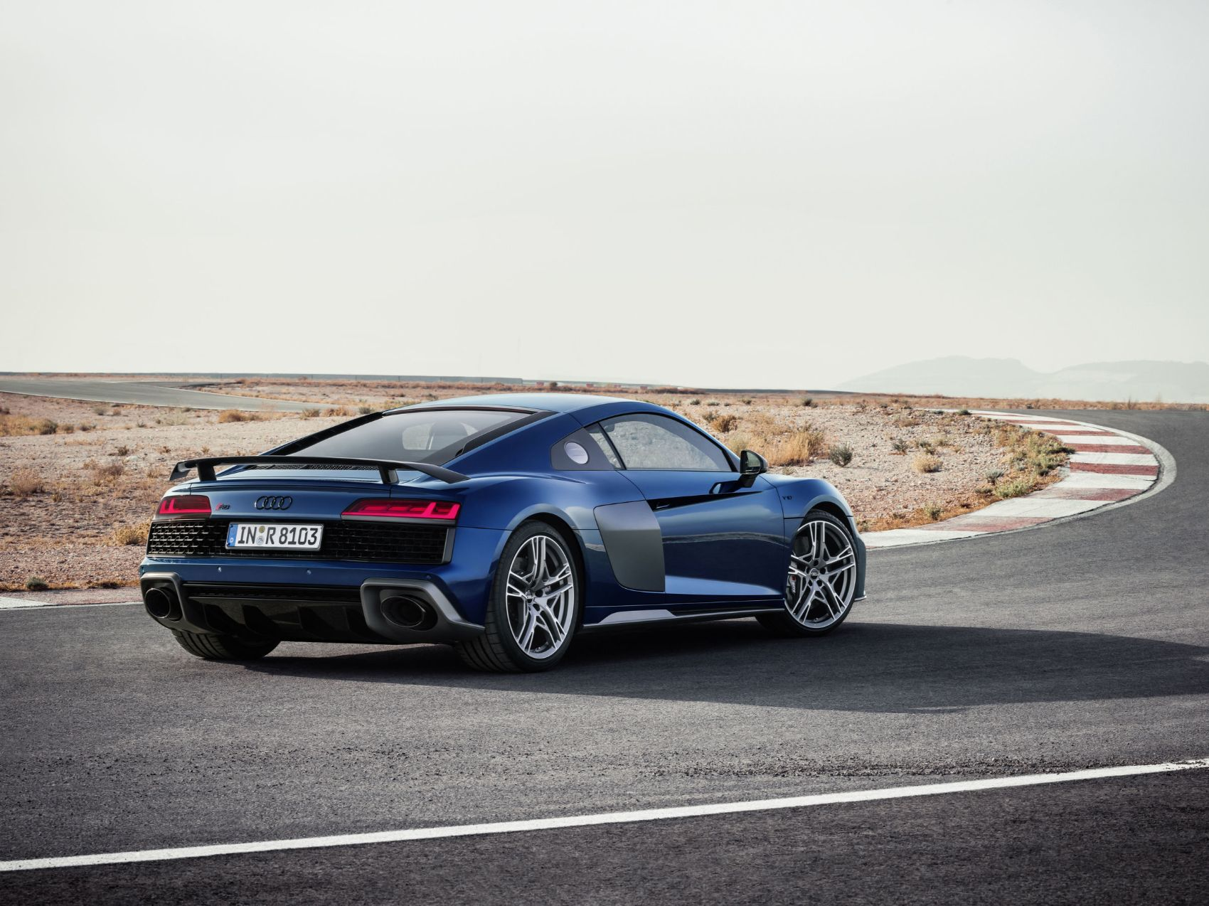 Twin Turbo Audi R8 vs. Stock Lamborghini Huracan: Which Is Faster?