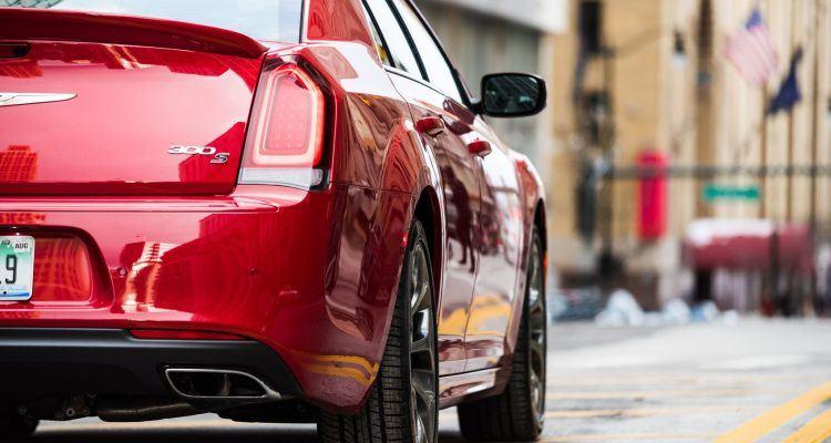 CH018 023THu7k34qcq1qu6uqvufg9d8udhjc 750x400 - 2019 Chrysler 300 Review: An Affordable Executive-Level Car