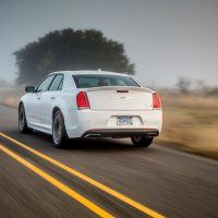 CH018 033THv1r16b4t28dqkskd94jldi0iak 200x200 - 2019 Chrysler 300 Review: An Affordable Executive-Level Car