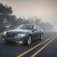 CH019 031THl5dl6p2fj6g4cgmpom1mdv7m11 200x200 - 2019 Chrysler 300 Review: An Affordable Executive-Level Car