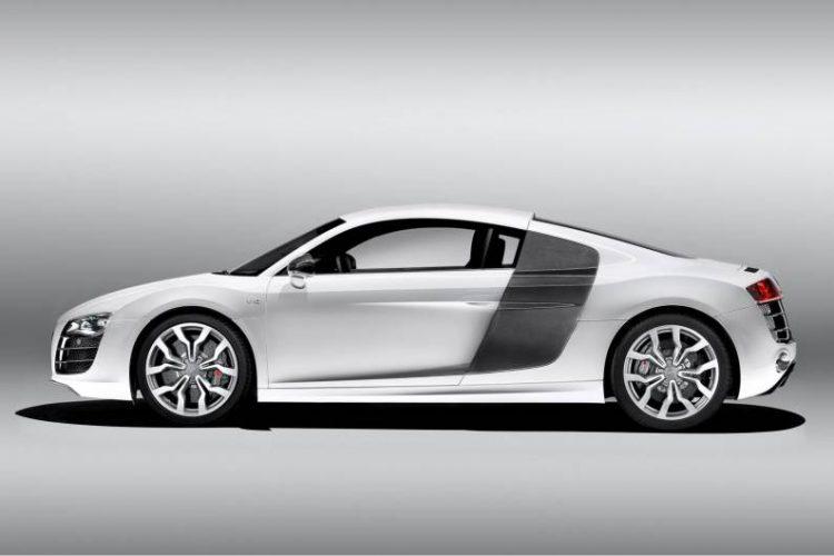 2009 Audi R8 V10 side