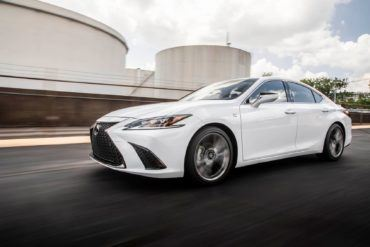 2019 Lexus ES 350 F Sport Review: Well-Balanced For The Daily Drive 24