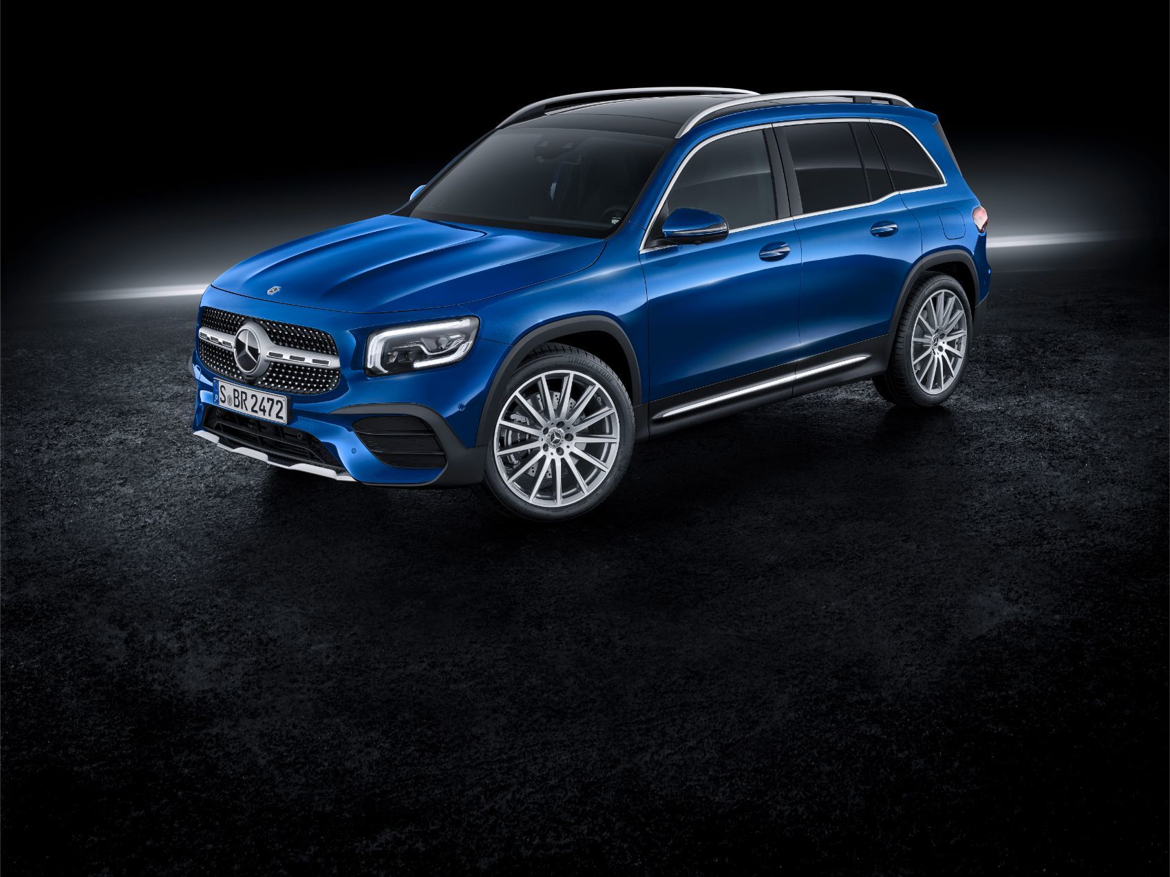Mercedes Benz Glb 250 Small Enough For Families Of Seven