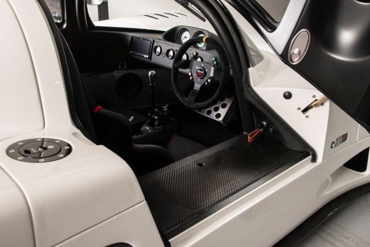 Ultima RS Interior Layout