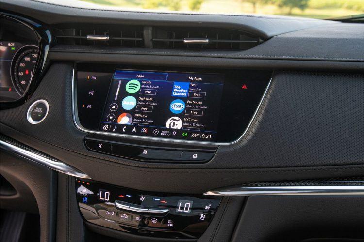 2020 Cadillac XT5 Sport 001