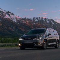 CH019 091PF56k6b2hqm8fm78oeu8ch5a1kfd 200x200 - 2019 Chrysler Pacifica Hybrid Limited Review: A Fine Fit For Families