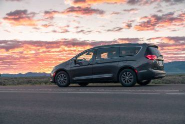2019 Chrysler Pacifica Hybrid Limited Review: A Fine Fit For Families 24