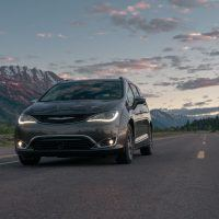 CH019 100PFhum9km2sogbikdt20eelhhv0vs 200x200 - 2019 Chrysler Pacifica Hybrid Limited Review: A Fine Fit For Families