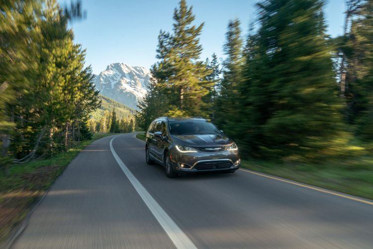 CH019 120PFkp52i2g85iflhnub144lssm6ou 750x500 - 2019 Chrysler Pacifica Hybrid Limited Review: A Fine Fit For Families