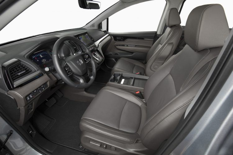 2020 Honda Odyssey front seat interior