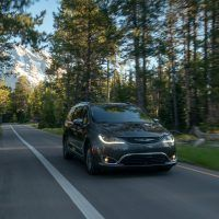 CH019 122PFfcje8i6gjkkqlbuk7iv70lsc5d 200x200 - 2019 Chrysler Pacifica Hybrid Limited Review: A Fine Fit For Families