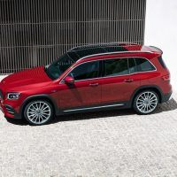 19C0560 039 source 200x200 - 2021 Mercedes-AMG GLB 35: Small SUV Wears Affalterbach's Wardrobe