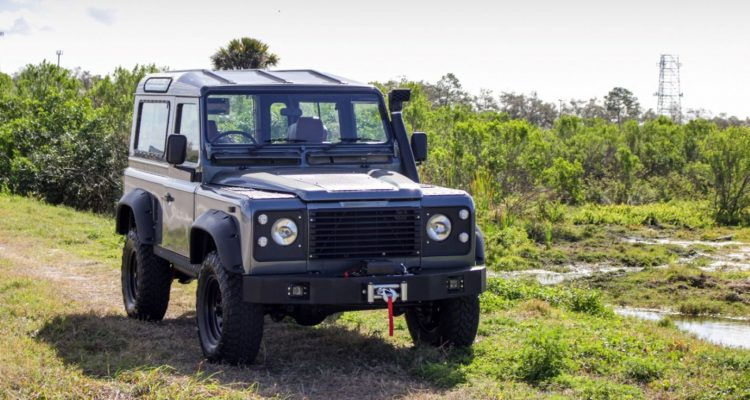 CAR150439 Car in States 2 e1570760628453 750x400 - Importing A Classic Land Rover Defender? Read This First