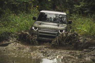2020 Land Rover Defender: Returning to Reclaim Lost Glory 16