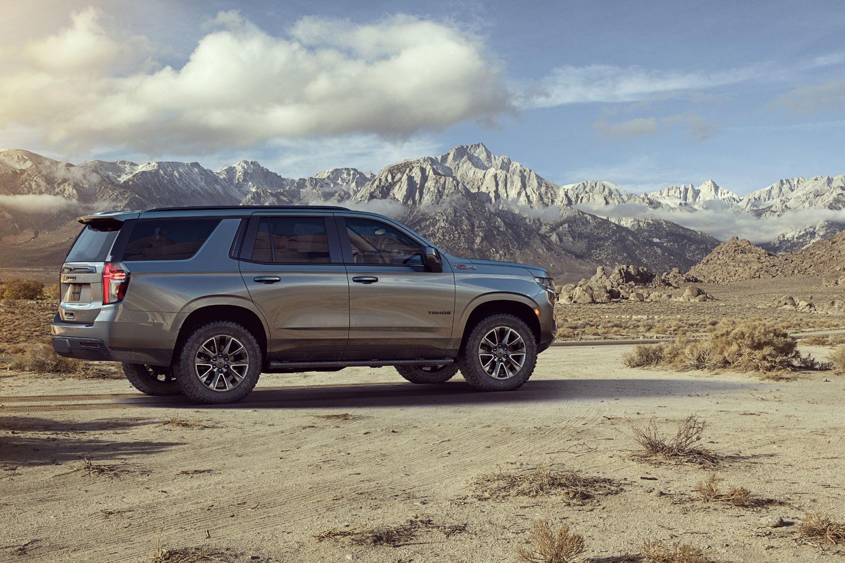 2021 chevy suburban  tahoe gm's newest suvs come to town