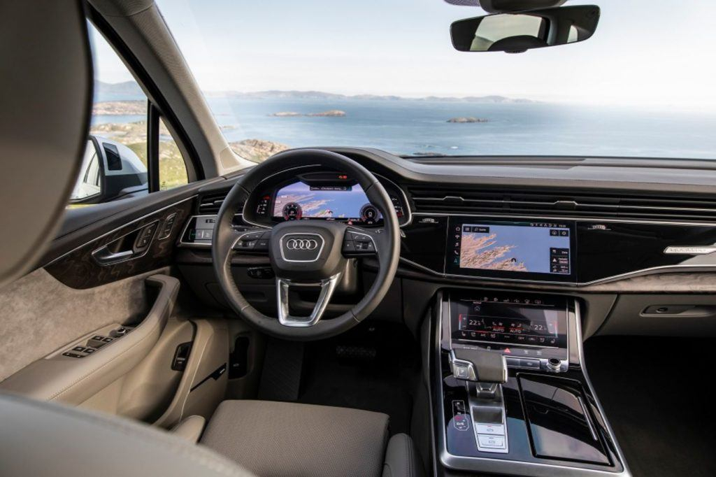 2020 Audi Q7 interior layout
