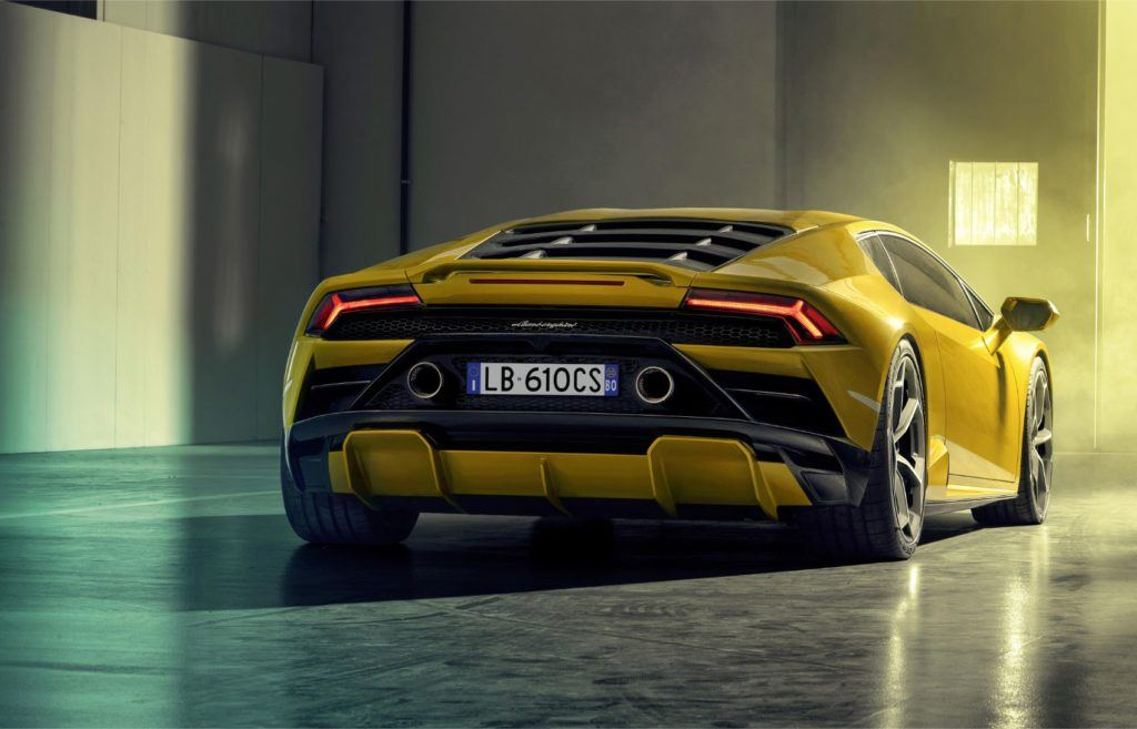 Lamborghini Huracán EVO RWD: New Breed For This Italian Job 22