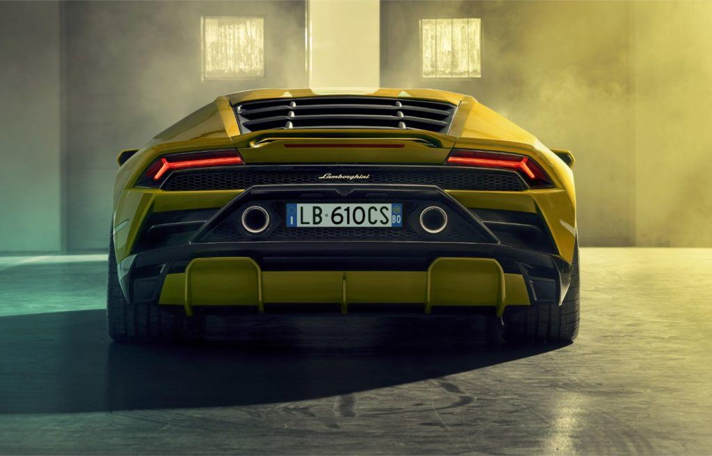 Lamborghini Huracán EVO RWD: New Breed For This Italian Job 23