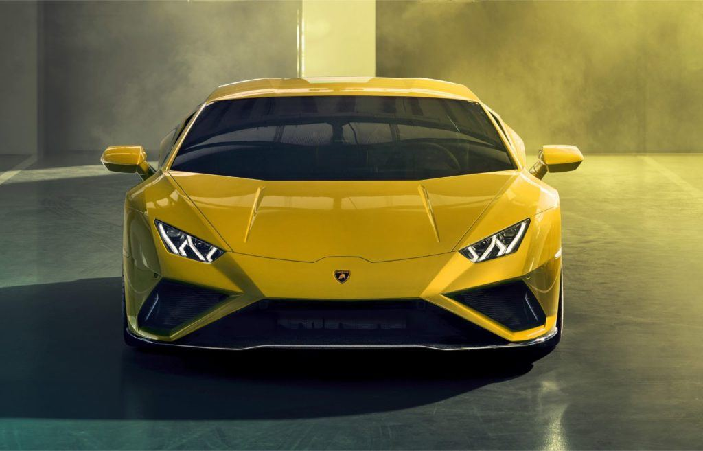 Lamborghini Huracán EVO RWD: New Breed For This Italian Job 25