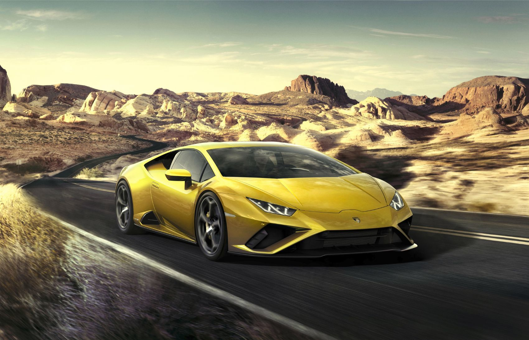 Lamborghini Huracán EVO RWD: New Breed For This Italian Job 14