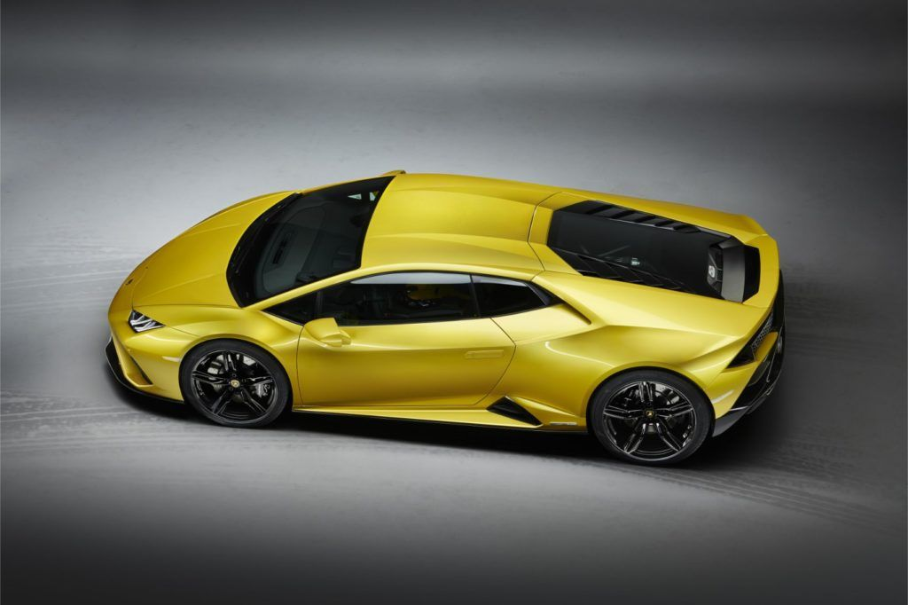 Lamborghini Huracán EVO RWD: New Breed For This Italian Job 16