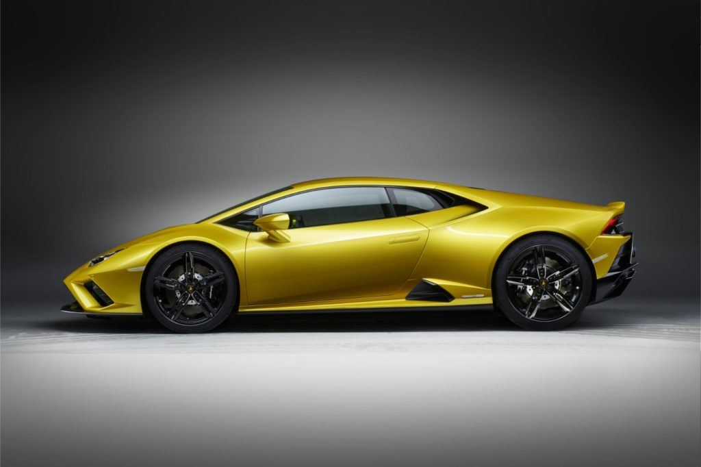Lamborghini Huracán EVO RWD: New Breed For This Italian Job 15