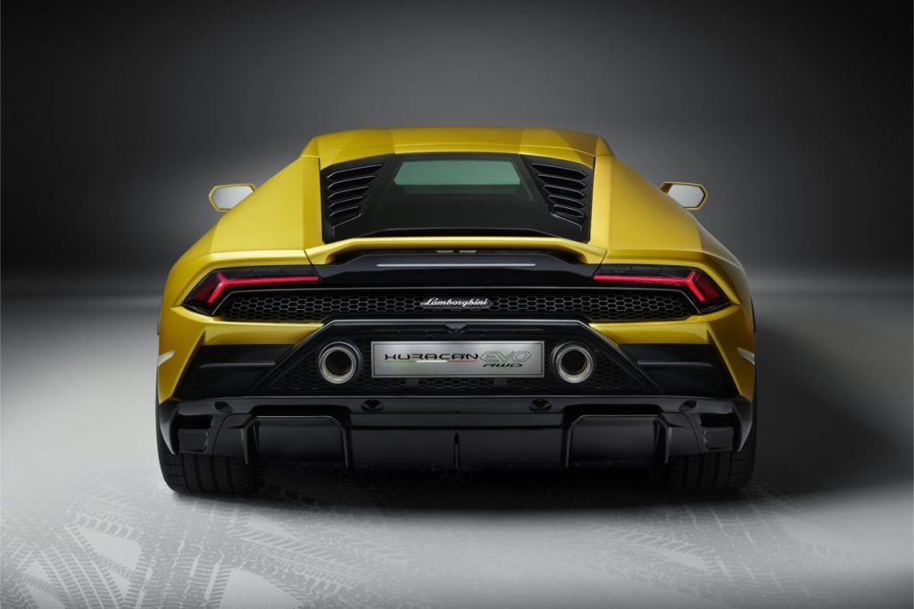 Lamborghini Huracán EVO RWD: New Breed For This Italian Job 18