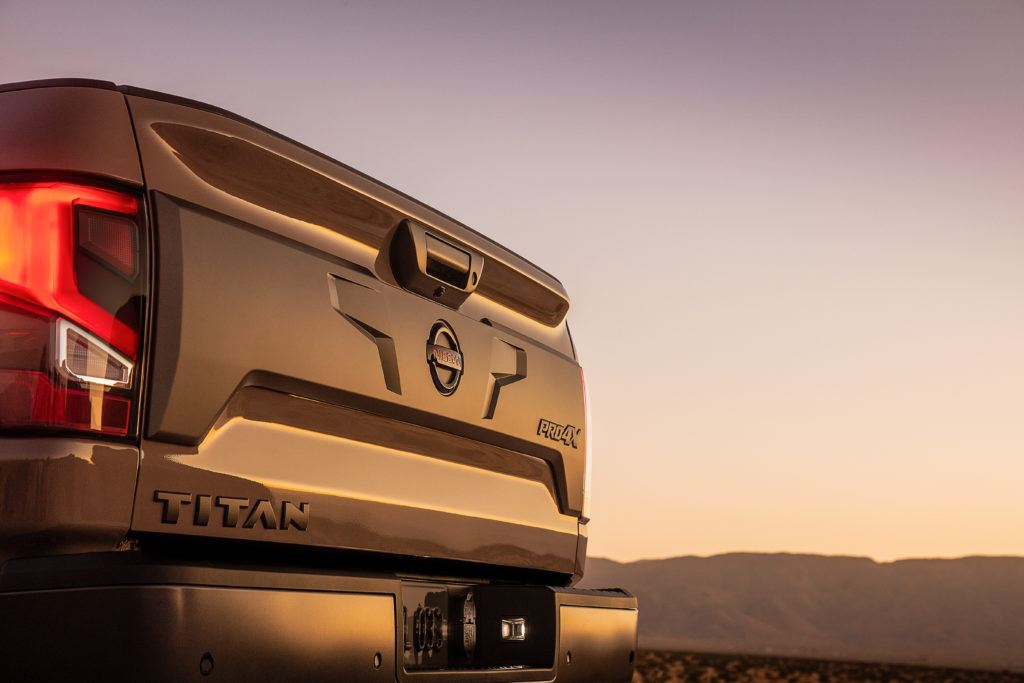 2020 Nissan TITAN PRO 4X 8