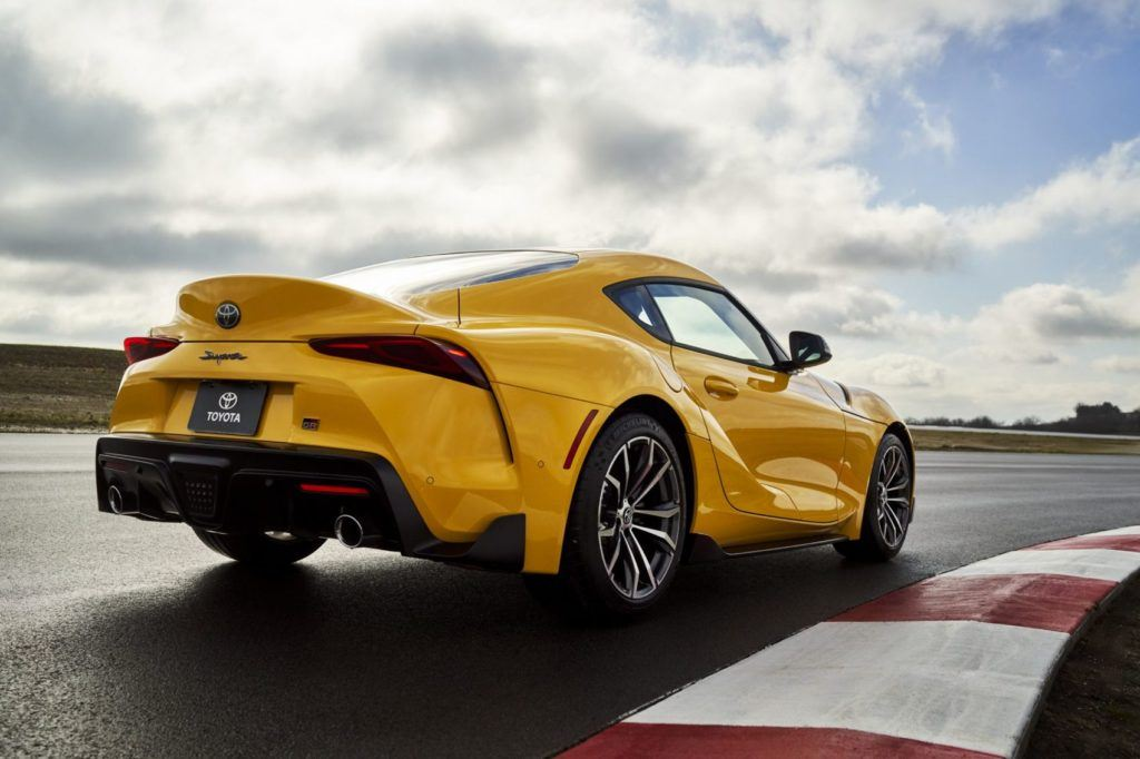 The four-cylinder of the Supra 2.0 is closely related to the 3.0-liter inline-six variant. Both engines share a twin-scroll turbo, direct fuel injection, and continuously variable timing on both the intake and exhaust camshafts.