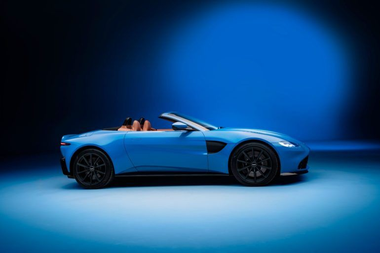 Aston Martin Vantage Roadster: This Drop Top Looks Really Fun! 25