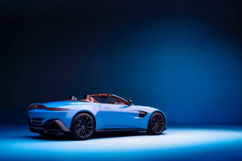Aston Martin Vantage Roadster: This Drop Top Looks Really Fun! 17