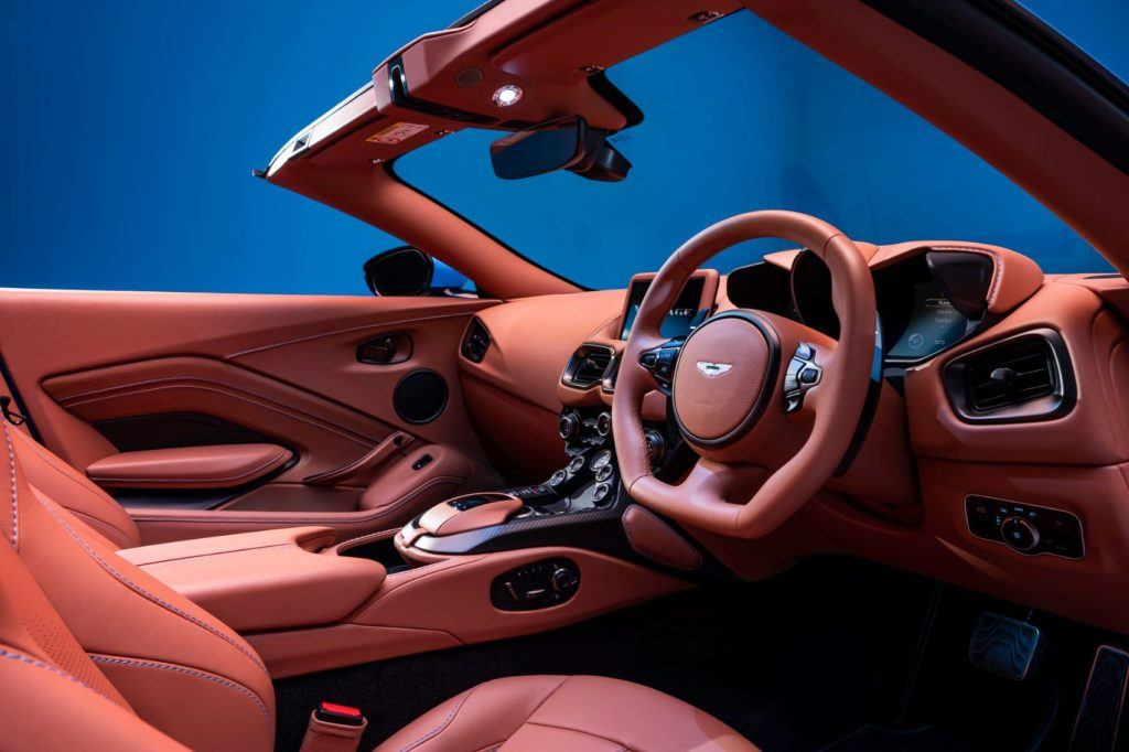 Aston Martin Vantage Roadster 11